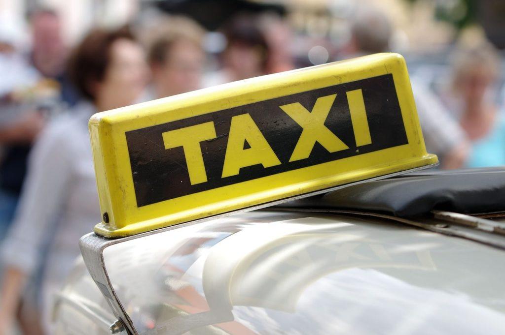Ασφάλειες ταξί Καραμολέγκος